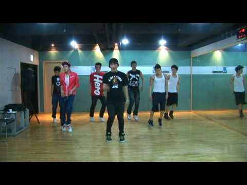 """[Undisclosed clip] 2PM Practicing the """"I Hate You(니가 밉다)"""" Performance"""