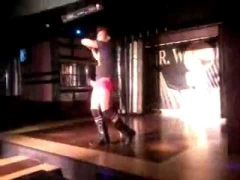 macho dancer Philippine gaybar