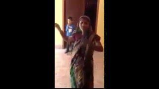 দেখুন আন্টি এটা কোন রিমিক্স গান গাইলো...( Bangla New Funny Video )