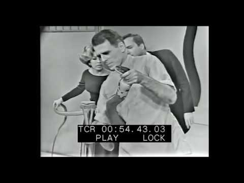 Very rare footage of Bill Haast with shocking cobra bite