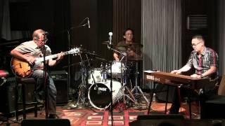 Oele Pattiselano Trio at RW Lounge - I Remember Jimmy.MP4