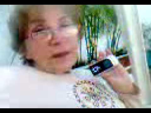 Xxx Mp4 La Abuela Hot Agradece A Quien Le Vendio El Celular 3gp 3gp Sex