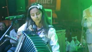 Billete Verde - Laurita (en concierto)