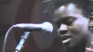 Tracy Chapman - Why? - Live at Amnesty International 1988