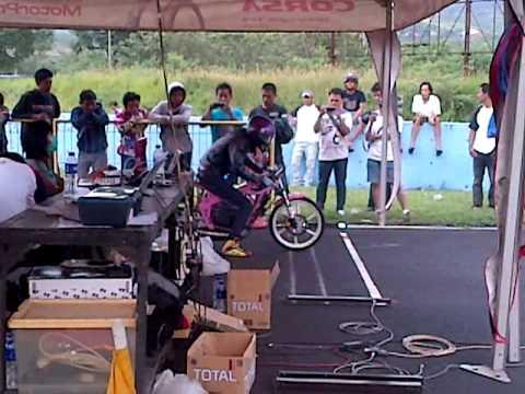Tilil drag bike corsa juara 4.MP4