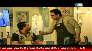 محمود بعد ما نجح في الاخنبار مطلوب منه يغلس على الزباين ويجبرهم يقيسوا الضغط :D