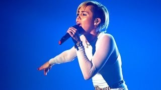 This Happens At A Miley Cyrus Bangerz Concert