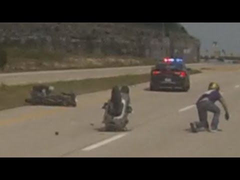 Motorcycle VS Cops POLICE CHASE Street