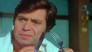 اول  مرة ياكل  بشوكه وسكينه