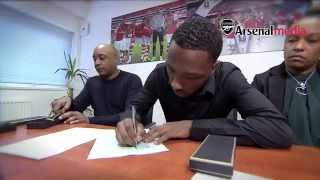 Willock, Hinds and Sheaf sign!