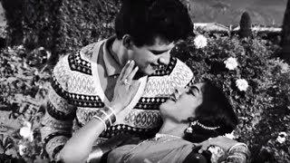 Zara Dekh Sanam - Manoj Kumar, Rajshree, Lata Mangeshkar, Grahasti Song