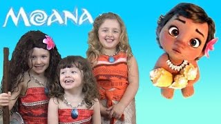 Moana Movie Songs Toys and Bath Time FUN with Baby Moana & The Disney Toy Collector