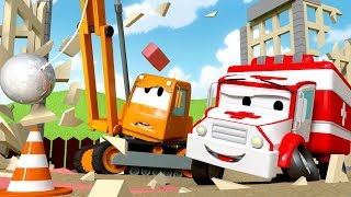 The Demolition Crane get hit on the head ! Amber the Ambulance in Car City l Cartoons for Children