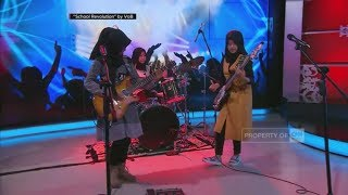 Aksi 'Cadas' Hijabers Nge-Rock - 'School Revolution' by VOB