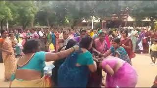 Ladies fighting india