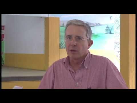 Álvaro Uribe una entrevista que lo incomodó