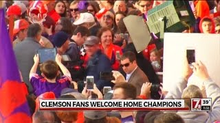 Clemson fans welcome home champions