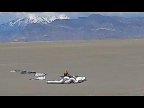 10 Filmed Cases Of Unexplained Alien UFO Landings With Alive Extraterrestrials Captured On Camera