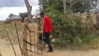 MAMBO YA GAMBOSHI - GETI LA MITI LINAFUNGUKA KWA REMOTE CONTROL