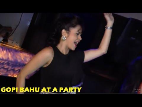 Saath Nibhana Saathiya - Devoleena Bhattacharjee - Gopi Bahu Hot Dance | Star Plus Serials News 2018
