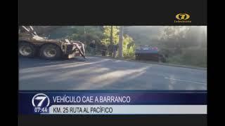 Vehículo cae a barranco en ruta al Pacífico