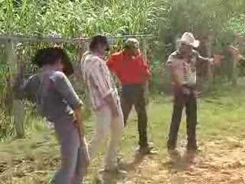 Curso montaria em touro Guaxupé