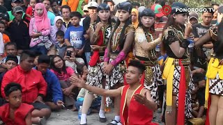Reog Ponorogo Di Tugu Mlarak, Bujang Ganong Adu Ketangkasan, 14 Jathil Muda Cantik