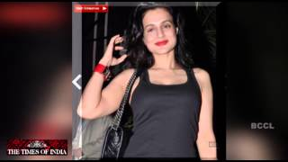 Ameesha Patel is crazy for bags - TOI