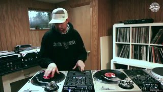 Epic DJ Fail! Stupid DJ Tries To Use Old Turntables!