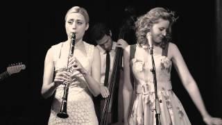 Tu Vuo' Fa' L'Americano - Hetty & the Jazzato Band