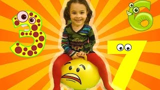 123 Fun Way to Learn Number for Toddlers in the Indoor Playground with toy numbers!