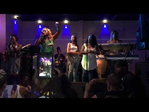 Bela Dona Live Fast Eddies 8 19 2017
