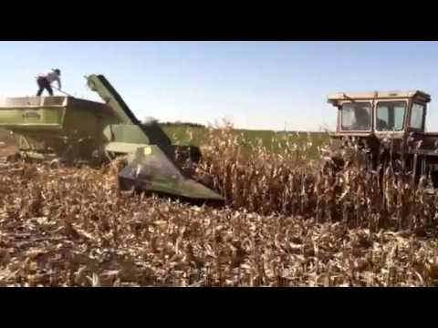 JD400 corn picker Nov 2013