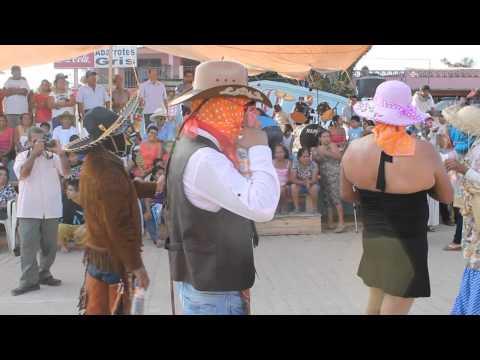 homenaje a Danzantes de las Mascaritas de Pinotepa de Don Luis