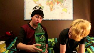 [WARNING PUKE!]Surpia Challenges| Devin and Devin do the Sprite and Banana Challenge