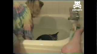 Cat ruins woman's bath time plans