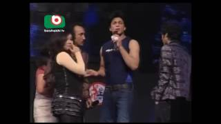 Bangladeshi girl dance with Shah Rukh Khan | Shah Rukh Khan in dhaka performance