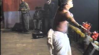 Must Watch Funny Bengali/Bangla Musical Stage Performance in Bangladesh