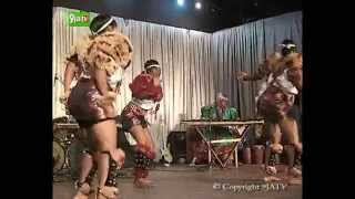 Virgin Calabar Girls Roll Their Waists To Seduce The Audience