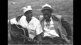 Son house - Yonder comes my mother