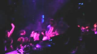 Paul Oakenfold - Armin van Buuren feat. Mic Burns - Empty State