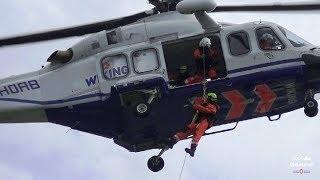 Wiking Helikopter Service Tag der Seenotretter 2017 Hoistvorgang per High-Line Verfahren DGzRS