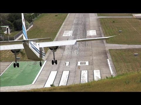 Dangerous Airport St. Barth Landings and Departures HD