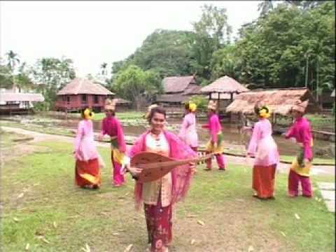 Oud Girl from Malaysia Ampuk ampuk Bulan Fauziah