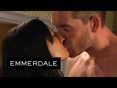 Xxx Mp4 Emmerdale Priya Kisses A Shirtless Pete 3gp Sex