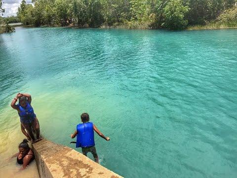 A lagoa azul vertedouro em Aracruz ES