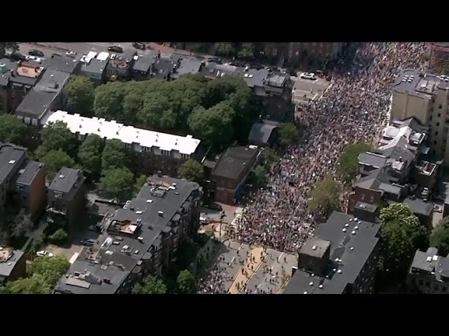 Dueling protesters descend on Boston