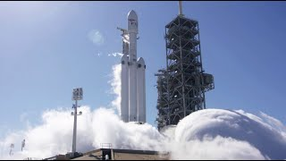 SpaceX fires up the Falcon Heavy in launch test