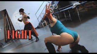 Cosplay Combat Episode 2 - Cammy vs Liu Kang - Tess Kielhamer