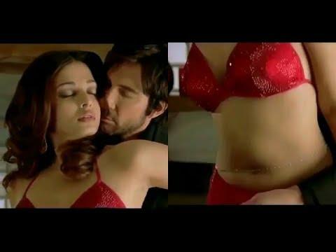 Xxx Mp4 Aishwarya Rai का Hollywood Movie का सबसे Sexy Hot Scene अकेले मे देखे 3gp Sex